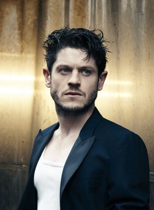 Iwan Rheon Net Worth $2 million