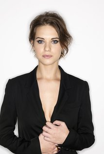 Lyndsy Fonseca Net Worth $2 million